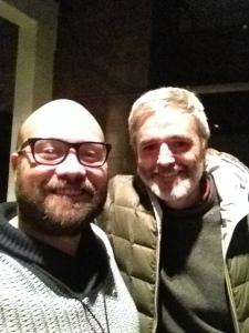 -Mikel, nos hacemos una selfie antes de que se pongan de moda en los Oscars? -Dale; yo soy muy de la selfie.